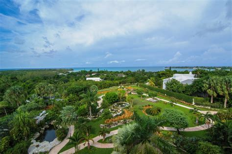 Lyford Cay Luxury Penthouse - Lyford Cay Real Estate