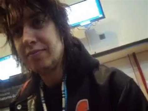 Julian Casablancas in Chile (airport) - Take It Or Leave