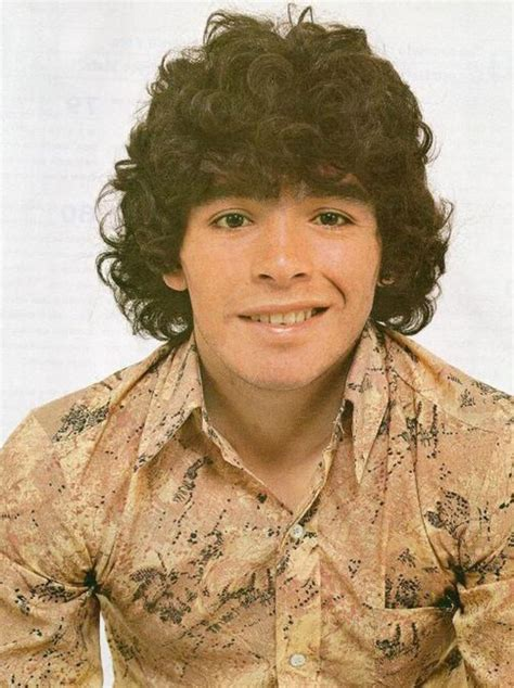 20 Rare Photographs of a Very Young Diego Maradona From