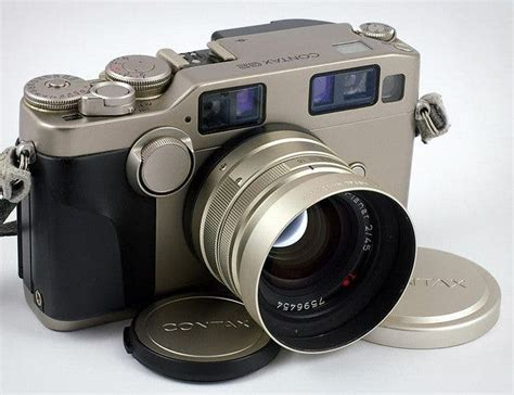 Five Cameras That Were Legendary to Street Photographers