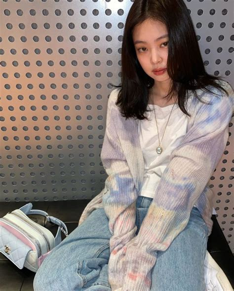 BLACKPINK's Jennie Showed Off Her Natural Beauty In New